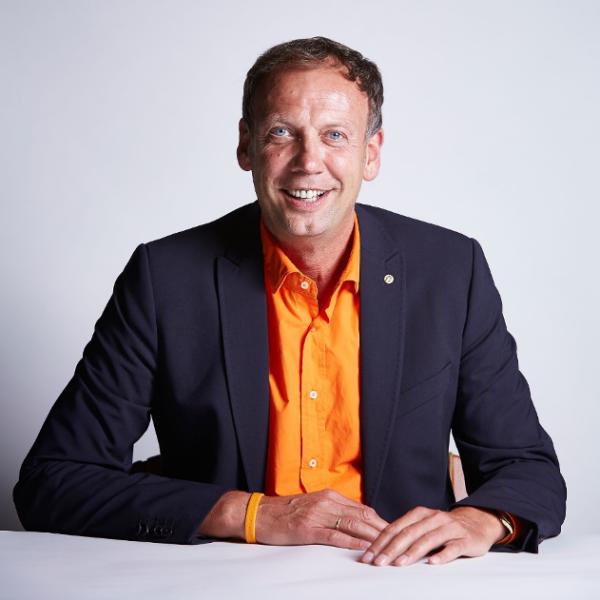 Speaker - Ralf R. Strupat